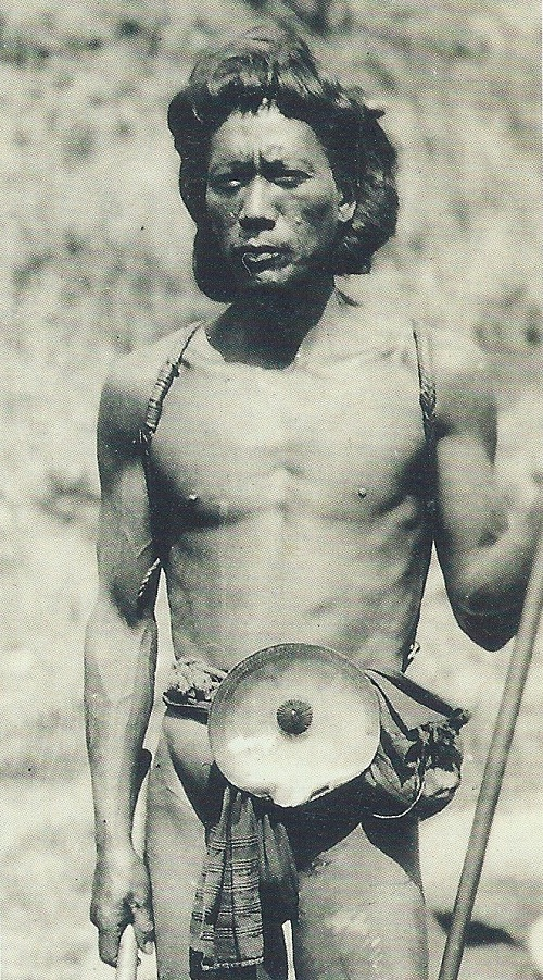 bontoc man wearing fikum